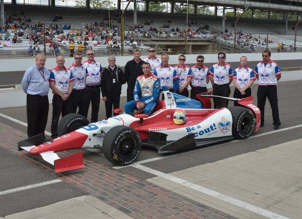 17-18 May, 2014, Indianapolis, Indiana, USA #19 Justin Wilson, Dale Coyne Racing and crew ©2014 Dan R. Boyd LAT Photo USA