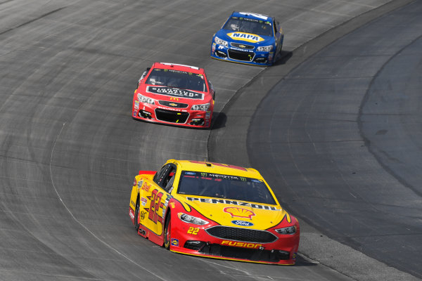 Monster Energy NASCAR Cup Series AAA 400 Drive for Autism Dover International Speedway, Dover, DE USA Sunday 4 June 2017 Joey Logano, Team Penske, Shell Pennzoil Ford Fusion, Jamie McMurray, Chip Ganassi Racing, McDonald's Chevrolet SS, Chase Elliott, Hendrick Motorsports, NAPA Chevrolet SS World Copyright: Logan Whitton LAT Images ref: Digital Image 17DOV1LW3756
