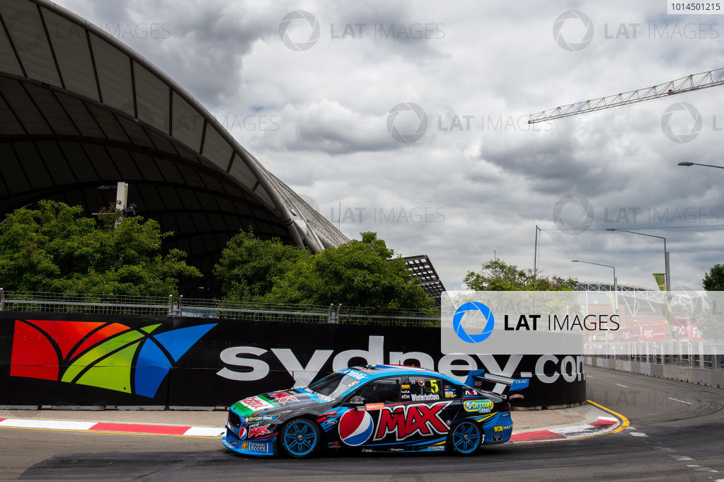 2015 V8 Supercars Round 14. Sydney 500, Sydney Olympic Park, Sydney, Australia. Friday 4th December - Sunday 6th December 2015. Mark Winterbottom drives the #5 Prodrive Racing Australia Ford FG X Falcon. World Copyright: Daniel Kalisz/LAT Photographic  Ref: Digital Image V8SCR14_SYDNEY500_DKIMG1072.JPG