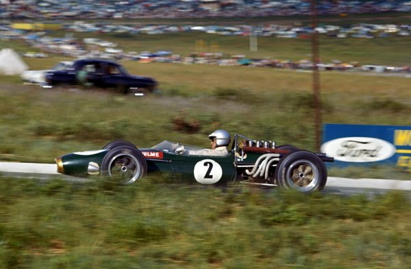 Denny Hulme (NZL) Brabham Repco BT20, 4th place.