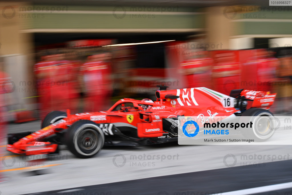 Charles Leclerc, Ferrari SF-71H with missing sidepod bodywork