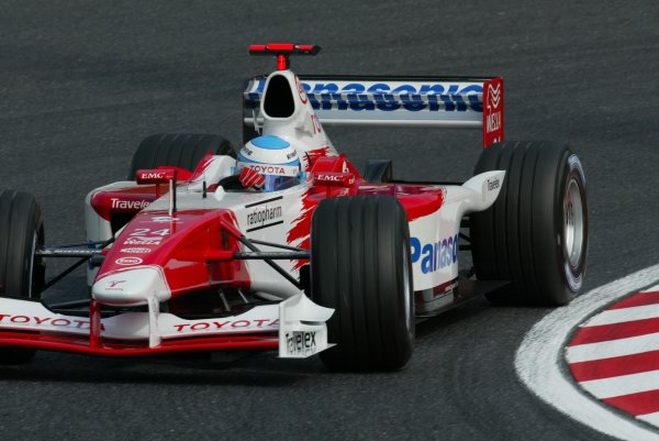 2002 Japanese Grand Prix.Suzuka, Japan. 11-13 October 2002.Mika Salo (Toyota TF102) 8th position.World Copyright - LAT Photographicref: Digital File Only