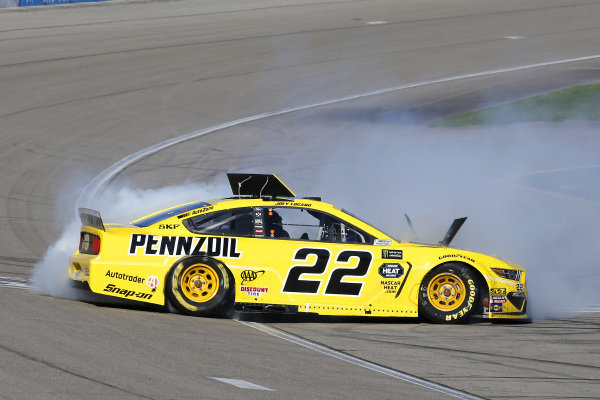 #22: Joey Logano, Team Penske, Ford Mustang Pennzoil celebrates his win with a burnout