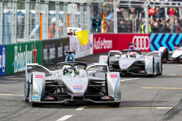 Felipe Massa (BRA), Venturi Formula E, Venturi VFE05, leads Edoardo Mortara (CHE) Venturi Formula E, Venturi VFE05