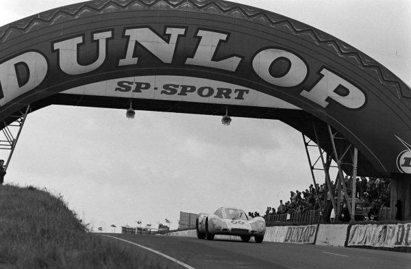 Rico Steineman / Dieter Spoerry, Squadra Tartaruga, Porsche 907 Lang Heck.