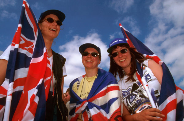 Silverstone, England.12-14 July 1996.Damon Hill's fans came out in force at the circuit.Ref-96 GB 27.World Copyright - LAT Photographic