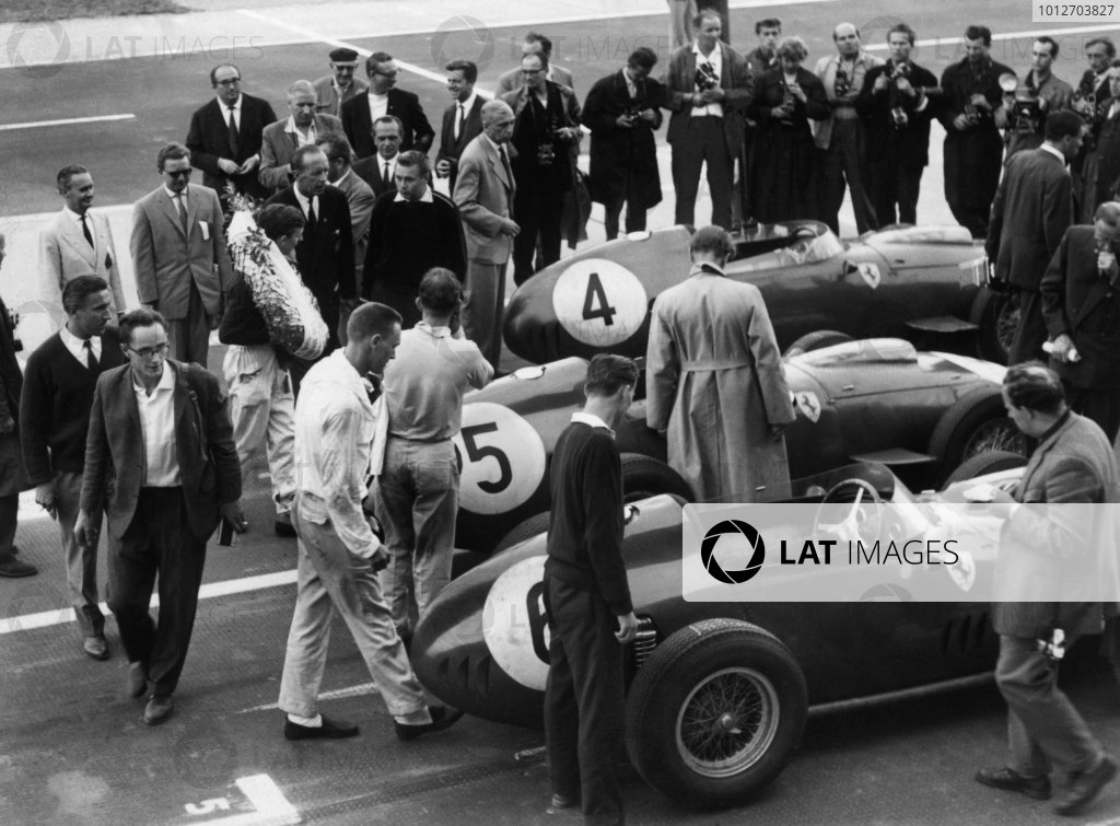Avus, Berlin, Germany.31/7-2/8 1959.Tony Brooks (Ferrari Dino 246) 1st position, parc ferme.World Copyright: LAT Photographic.