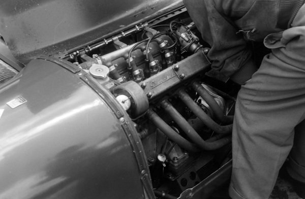 A mechanic works on Dr Mario Damonte / Roger Crovetto, Nardi Automobili, Nardi 750 LM - Crosley.