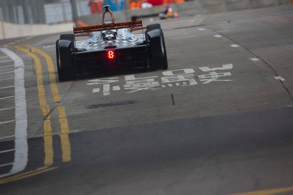 2016/2017 FIA Formula E Championship. Hong Kong ePrix, Hong Kong, China. Saturday 8 October 2016. Loic Duval (FRA), Dragon Racing, Spark-Penske, Penske 701-EV.  Photo: Alastair Staley/LAT/Formula E ref: Digital Image 585A9291