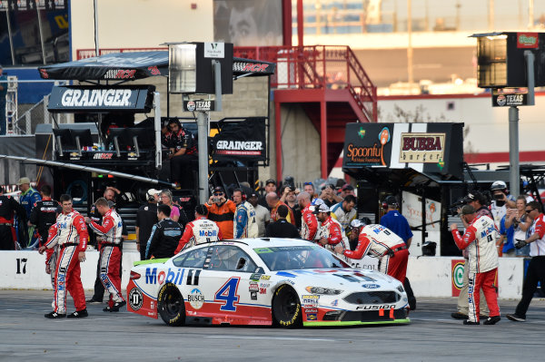 Monster Energy NASCAR Cup Series AAA Texas 500 Texas Motor Speedway Fort Worth, TX USA Sunday 5 November 2017 Kevin Harvick, Stewart-Haas Racing Rodney, Mobil 1 Ford Fusion, celebrates after winning. World Copyright: John K Harrelson LAT Images