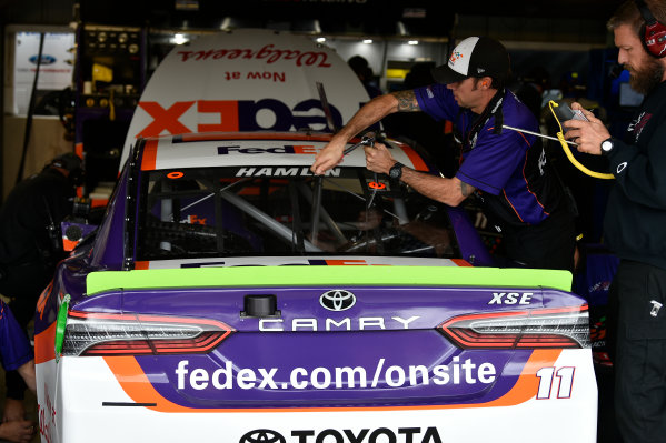 Monster Energy NASCAR Cup Series First Data 500 Martinsville Speedway, Martinsville VA USA Saturday 28 October 2017 Denny Hamlin, Joe Gibbs Racing, FedEx Walgreens Toyota Camry crew World Copyright: Scott R LePage LAT Images ref: Digital Image lepage-171028-mart-3688