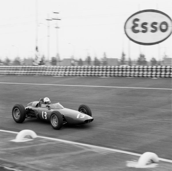 1963 Mexican Grand Prix.Mexico City, Mexico.25-27 October 1963.Moses Solana (BRM P57), 11th position retired.World Copyright - LAT Photographic.ref: 21975
