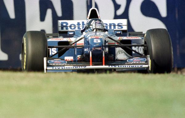 1996 Japanese Grand Prix.Suzuka, Japan.11-13 October 1996.Damon Hill (Williams FW18 Renault) 1st position, clinching the World Championship.World Copyright - LAT Photographic