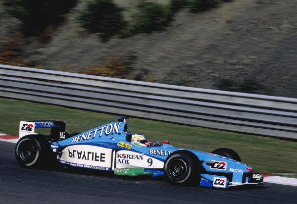 1999 Belgian Grand Prix.Spa-Fracorchamps. 27-29 August 1999.Giancarlo Fisichella (Benetton B199 Playlife).Ref-99 BEL 86.World Copyright - Gavin Lawrence/LAT Photographic