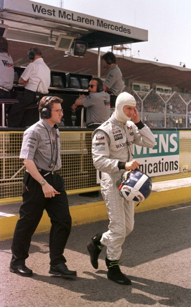 1998 San Marino Grand Prix.Imola, Italy.24-26 April 1998.David Coulthard (McLaren Mercedes-Benz) after qualifying on pole position.World Copyright - LAT Photographic