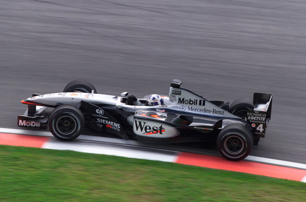 2001 Malaysian Grand Prix.Sepang, Kuala Lumpur, Malaysia. 16-18 March 2001.David Coulthard (McLaren MP4/16 Mercedes) 3rd position.World Copyright - Steve Etherington/LAT Photographic.ref: 18mb Digital Image