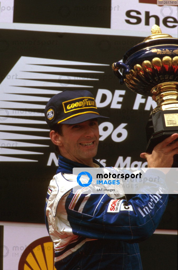 Magny-Cours, France.28-30 June 1996.Damon Hill (Williams Renault) 1st position on the podium.Ref-96 FRA 02.World Copyright - LAT Photographic