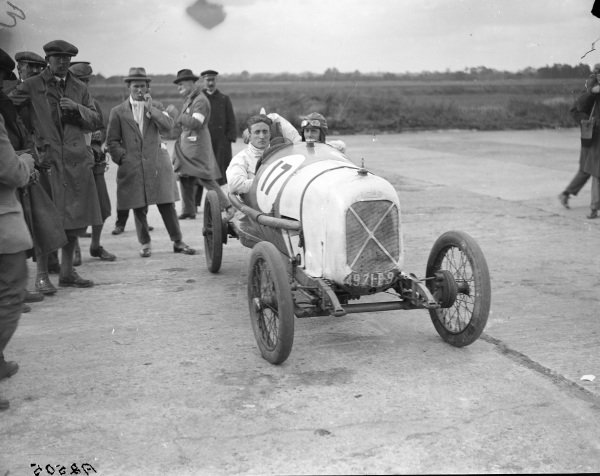 Driver R. Bueno and mechanic Fred Clark, Salmson.