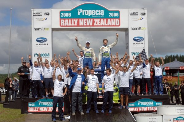 Rally winner Marcus Gronholm (FIN) and the Ford team celebrate winning the Manufacturers trophy. FIA World Rally Championship, Rd15, Rally of New Zealand, Hamilton, New Zealand, Day Three, Sunday 19 November 2006. DIGITAL IMAGE