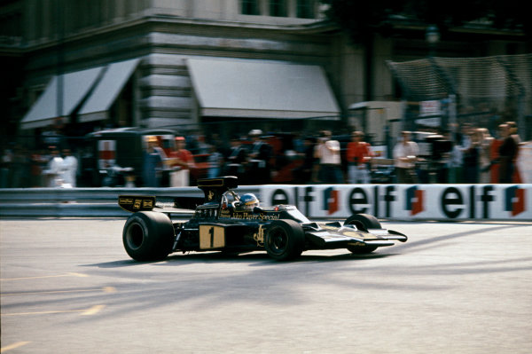 Monte Carlo, Monaco. 23 - 26 May 1974. Ronnie Peterson (Lotus 72E-Ford),1st position, action.  World Copyright: LAT Photographic. Ref: 74MON42