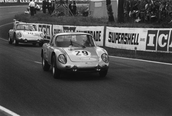 Le Mans, France. 15th - 16th June 1963.Gerhard Koch/Carel Godin de Beaufort (Porsche Carrera 356), retired, leads Heinz Schiller/Ben Pon (Porsche Carrera 356), retired, action. World Copyright: LAT Photographic.Ref:  10451M - 16A-17.