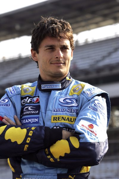 2006 USA Grand Prix - Friday Practice Indianapolis, Indiana, USA. 29th June - 2nd July. Giancarlo Fisichella, Renault R26, portrait. World Copyright: Charles Coates/LAT Photographic ref: Digital Image MB5C8368