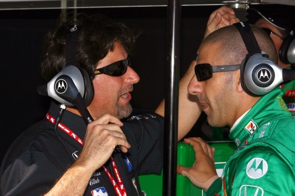 L-R: Andretti Green Racing team owner Michael Andretti (USA) and Tony Kanaan (BRA).IRL IndyCar Series, Rd1, XM Satellite Indy 300, Homestead-Miami Speedway, Homestead, FLorida, USA. 23-25 March 2007.DIGITAL IMAGE
