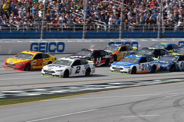 Monster Energy NASCAR Cup Series Alabama 500 Talladega Superspeedway Talladega, AL USA Sunday 15 October 2017 Joey Logano, Team Penske, Shell Pennzoil Ford Fusion, Brad Keselowski, Team Penske, Miller Lite Ford Fusion, Clint Bowyer, Stewart-Haas Racing, Haas Automation Ford Fusion, and Ryan Blaney, Wood Brothers Racing, Quick Lane Tire & Auto Center Ford Fusion World Copyright: Rusty Jarrett LAT Images