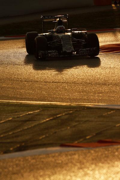 2015 F1 Pre Season Test 3 - Day 4 Circuit de Catalunya, Barcelona, Spain. Thursday  Sunday 1 March 2015. Daniel Ricciardo, Red Bull Racing RB11 Renault.  World Copyright: Sam Bloxham/LAT Photographic. ref: Digital Image _14P5487
