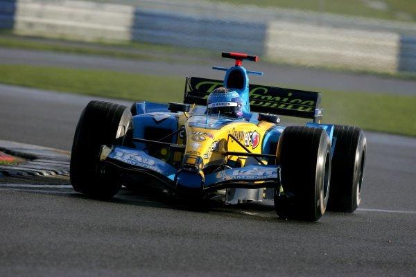 Franck Montagny (FRA) Renault R25. Formula One Testing, Silverstone, England, 21 February 2005. DIGITAL IMAGE
