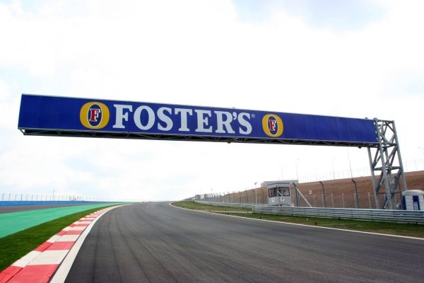 Fosters branding. Formula One World Championship, Rd14, Turkish Grand Prix, Preparations, Istanbul Park, Turkey, 18 August 2005. DIGITAL IMAGE