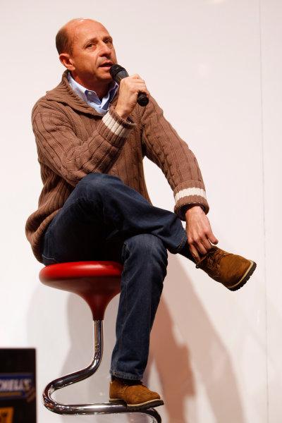 NEC, Birmingham. 14th January 2010.Roberto Moreno on stage. Portrait.World Copyright: Alastair Staley/LAT Photographicref: Digital Image _O9T0460