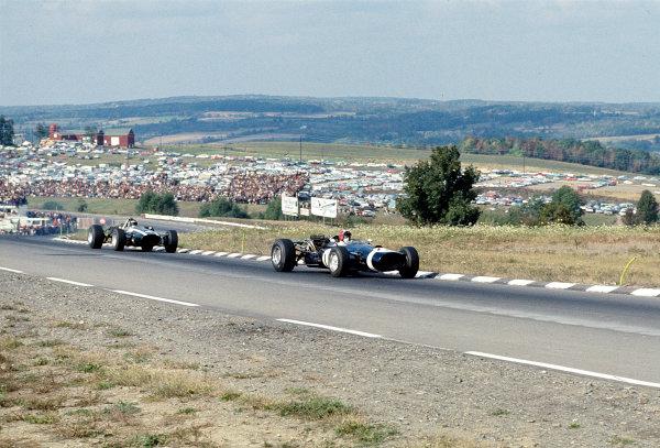 1967 United States Grand Prix.Watkins Glen, New York, USA.30/9-1/10 1967.Jo Siffert (Walker-DDurlacher Racing/Cooper T81 Maserati) 4th position.Ref-67 USA 19.World Copyright - LAT Photographic