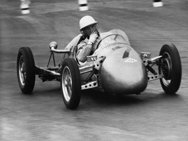 Silverstone, Great Britain. 19 July 1952Stirling Moss (Kieft - Norton 500), 1st position in the 500cc race, action.World Copyright - LAT Photographic.Ref: 4647A.