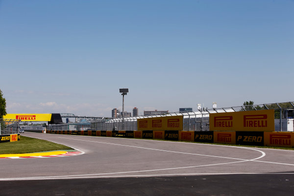 Circuit Gilles Villeneuve, Montreal, Canada. Thursday 08 June 2017. The pit lane entry and approach to the final chicane at the Circuit Gilles Villeneuve. World Copyright: Andy Hone/LAT Images ref: Digital Image _ONY2479