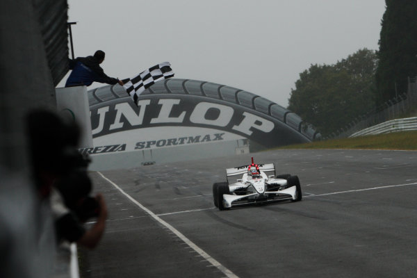 Sugo, Japan. 26th - 27th September 2009.Rd8  - Winner Loic Duval ( #31 NAKAJIMA RACING ) action.World Copyright: Yasushi Ishihara/LAT Photographicref: Digital Image 2009FN_Rd8_006