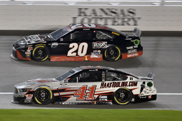 #41: Cole Custer, Stewart-Haas Racing, HaasTooling.com Ford Mustang and #20: Erik Jones, Joe Gibbs Racing, Reser's Fine Foods Toyota Camry