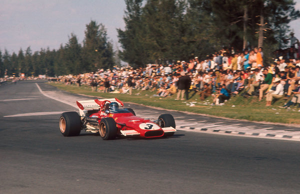 1970 Mexican Grand Prix.Mexico City, Mexico.23-25 October 1970.Jacky Ickx (Ferrari 312B) 1st position followed by Jackie Stewart (Tyrrell 001 Ford).Ref-70 MEX 53.World Copyright - LAT Photographic