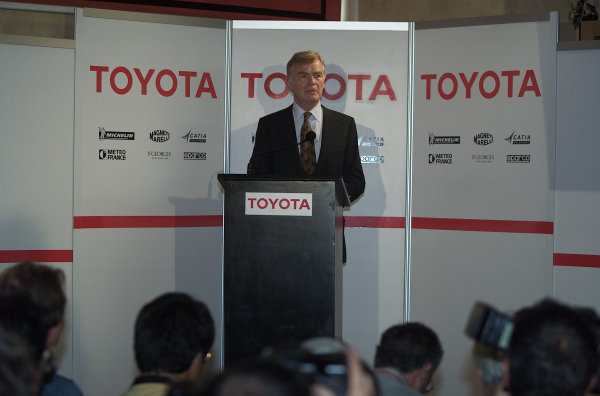 2000 Belgian Grand Prix.Spa-Francorchamps, Belgium. 25-27 August 2000.FIA President Max Mosley at a Toyota press conference.World Copyright - LAT Photographicref: 5 7mb DIGITAL