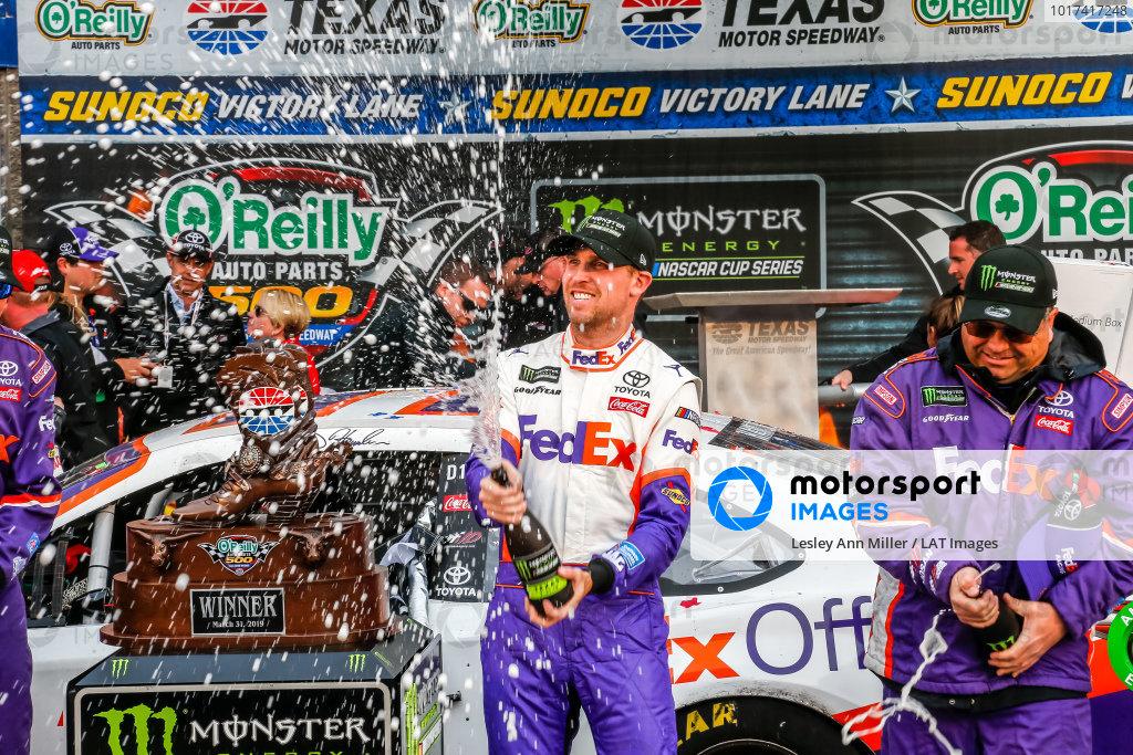 #11: Denny Hamlin, Joe Gibbs Racing, Toyota Camry FedEx Office champagne