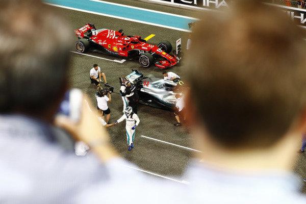 Valtteri Bottas, Mercedes AMG F1 W09 EQ Power+ returns to the grid after qualifying