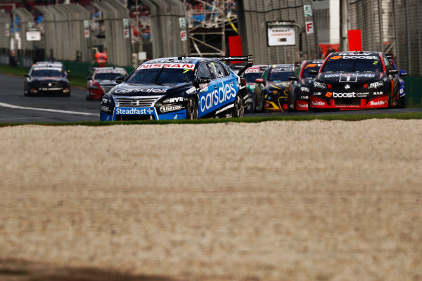 Australian Supercars Series Albert Park, Melbourne, Australia. Friday 24 March 2017. Race 2. Todd Kelly, No.7 Nissan Altima, Sengled Racing and carsales Racing, leads Scott Pye, No.2 Holden Commodore VF, Mobil 1 HSV Racing. World Copyright: Zak Mauger/LAT Images ref: Digital Image _56I5965