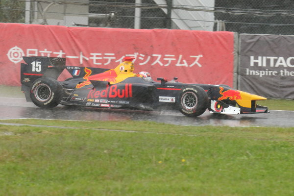2017 Japanese Super Formula. Suzuka, Japan. 21st - 22nd October 2017. Rd 7. Cancelled race due to Typhoon. 2017 Driver?s 2nd position & Rookie of the Year Pierre Gasly ( #15 TEAM MUGEN SF14 ) action World Copyright: Yasushi Ishihara / LAT Images. Ref: 2017_SF_Rd7_009