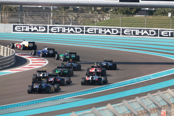 2015 GP2 Series Round 11. Yas Marina Circuit, Abu Dhabi, UAE. Sunday 29 November 2015. Arthur Pic (FRA, Campos Racing), Dean Stoneman (GBR, Carlin). Photo: Sam Bloxham/GP2 Series Media Service. ref: Digital Image _SBL0347