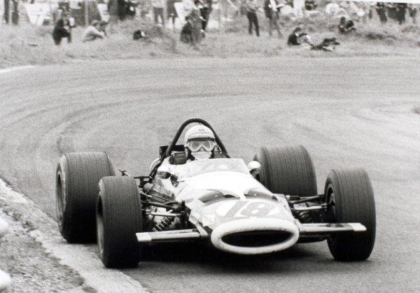 1969 Dutch Grand Prix.Zandvoort, Holland. 21 June 1969.Vic Elford, McLaren M7A/M7B-Ford, 10th position, action.World Copyright: LAT PhotographicRef: Autosport b&w print