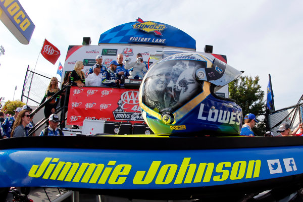 Monster Energy NASCAR Cup Series AAA 400 Drive for Autism Dover International Speedway, Dover, DE USA Sunday 4 June 2017 Jimmie Johnson, Hendrick Motorsports, Lowe's Chevrolet SS celebrates in victory lane  World Copyright: Russell LaBounty LAT Images