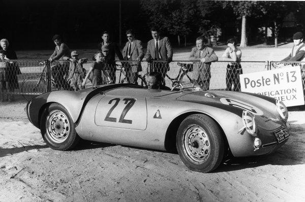 Le Mans, France. 28th - 29th July 1956.Mathieu Hezemans/Carel Godin de Beaufort (Porsche 550), retired, in the paddock, action. World Copyright: LAT Photographic.Ref:  7114 - 27.