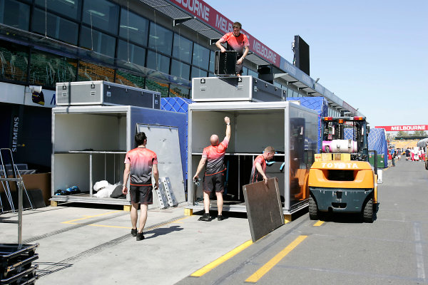 2005 Australian Grand PrixAlbert Park, Melbourne, Australia. 28th February 2005.The teams arrive and begin un-packing in preparation for the first race of the 2005 season.World Copyright: Lorenzo Bellanca/LAT Photographic ref: Digital Image Only