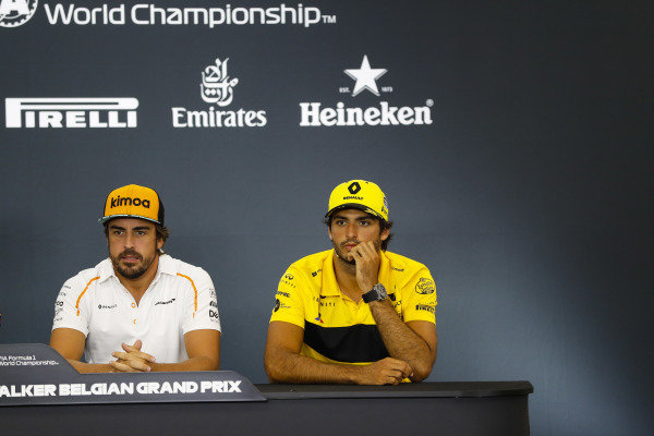 Fernando Alonso, McLaren, and Carlos Sainz Jr, Renault Sport F1 Team, in the Thursday press conference.