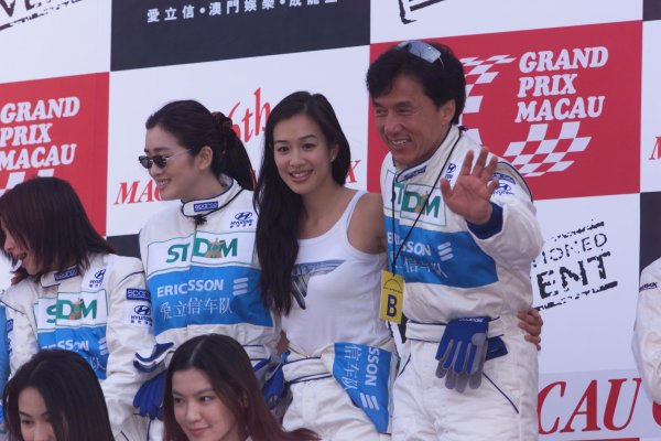 1999 Macau Formula 3 Grand Prix. Guia, Macau, China.21 November 1999.Martial arts actor Jackie Chan.World Copyright - LAT Photographic